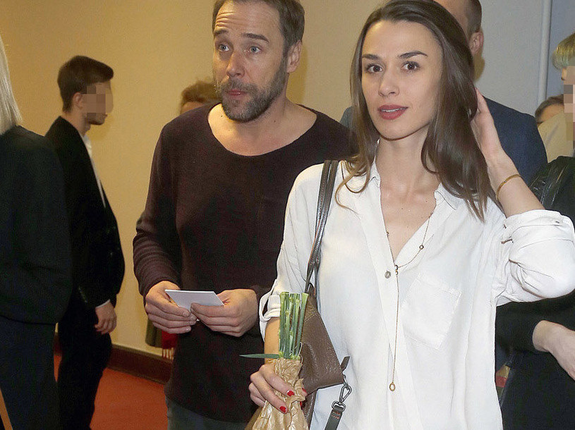 Łukasz Nowicki z żoną /Baranowski /AKPA