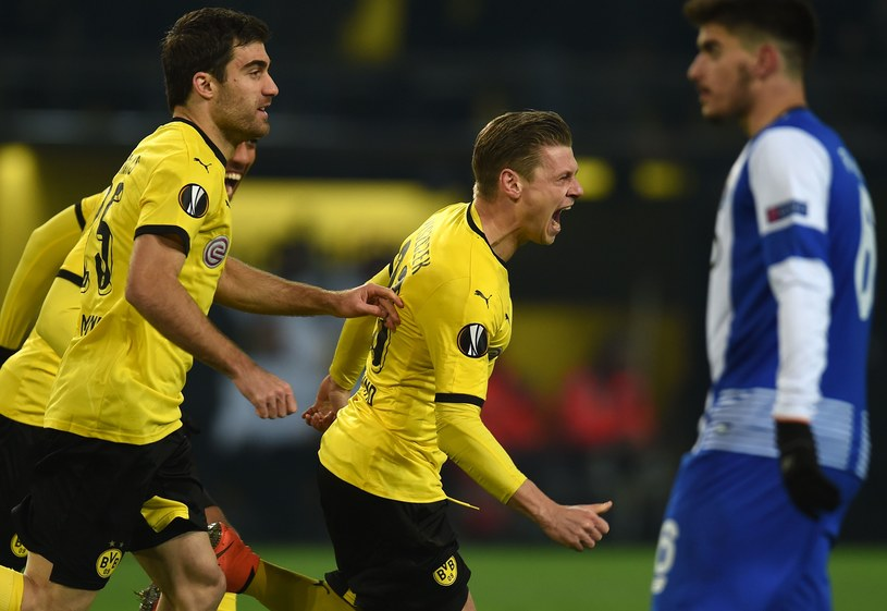 Łukasz Piszczek (na zdjęciu drugi od prawej) fetuje gola strzelonego Porto /AFP