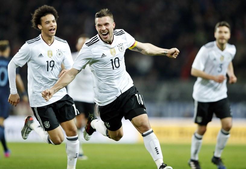 9b28a34d5 Łukasz Podolski pięknym golem pożegnał się z reprezentacją Niemiec  /Friedemann Vogel /PAP/EPA