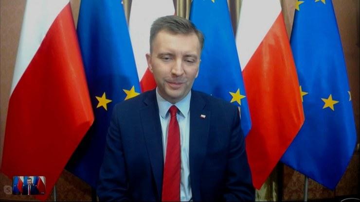 "Łukasz Schreiber w ""Graffiti"" na antenie Polsat News /Polsat News"