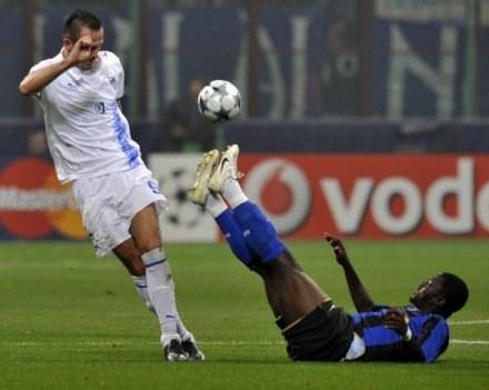 Łukasz Sosin strzela gole na chwałę Cypru. Tu w meczu z Interem Mediolan /AFP