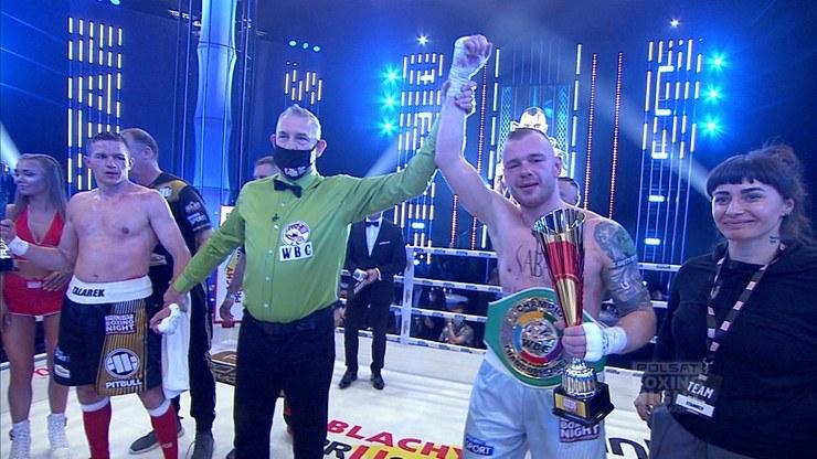 Łukasz Stanioch w geście triumfu /Polsat Sport