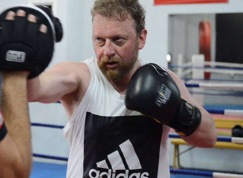 Łukasz Szumowski trenuje boks. Od siedmiu lat o kondycję dba pod okiem fachowca /Marcin Wziontek/Agencja SE /East News