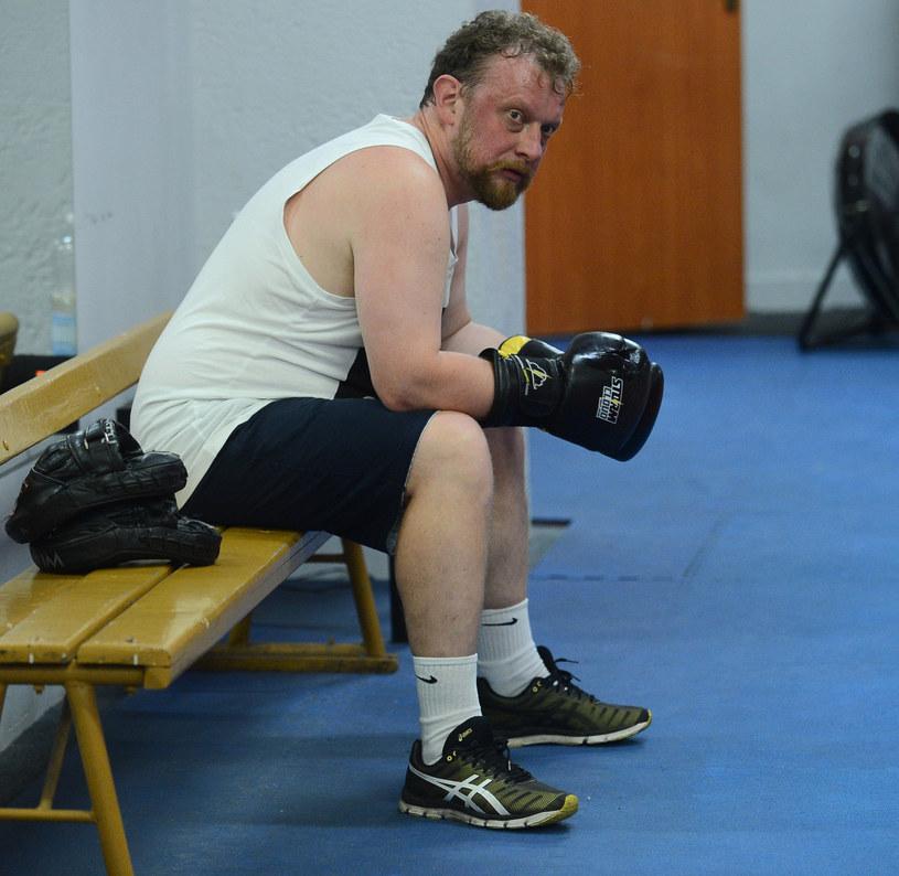 Łukasz Szumowski trenuje boks /Marcin Wziontek /East News