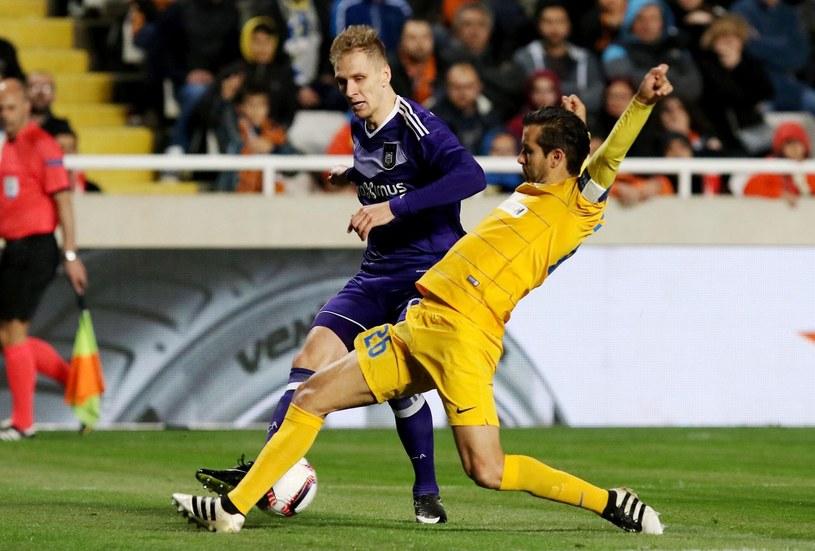 Łukasz Teodorczyk (z lewej) w meczu z APOEL-em Nikozja /AFP
