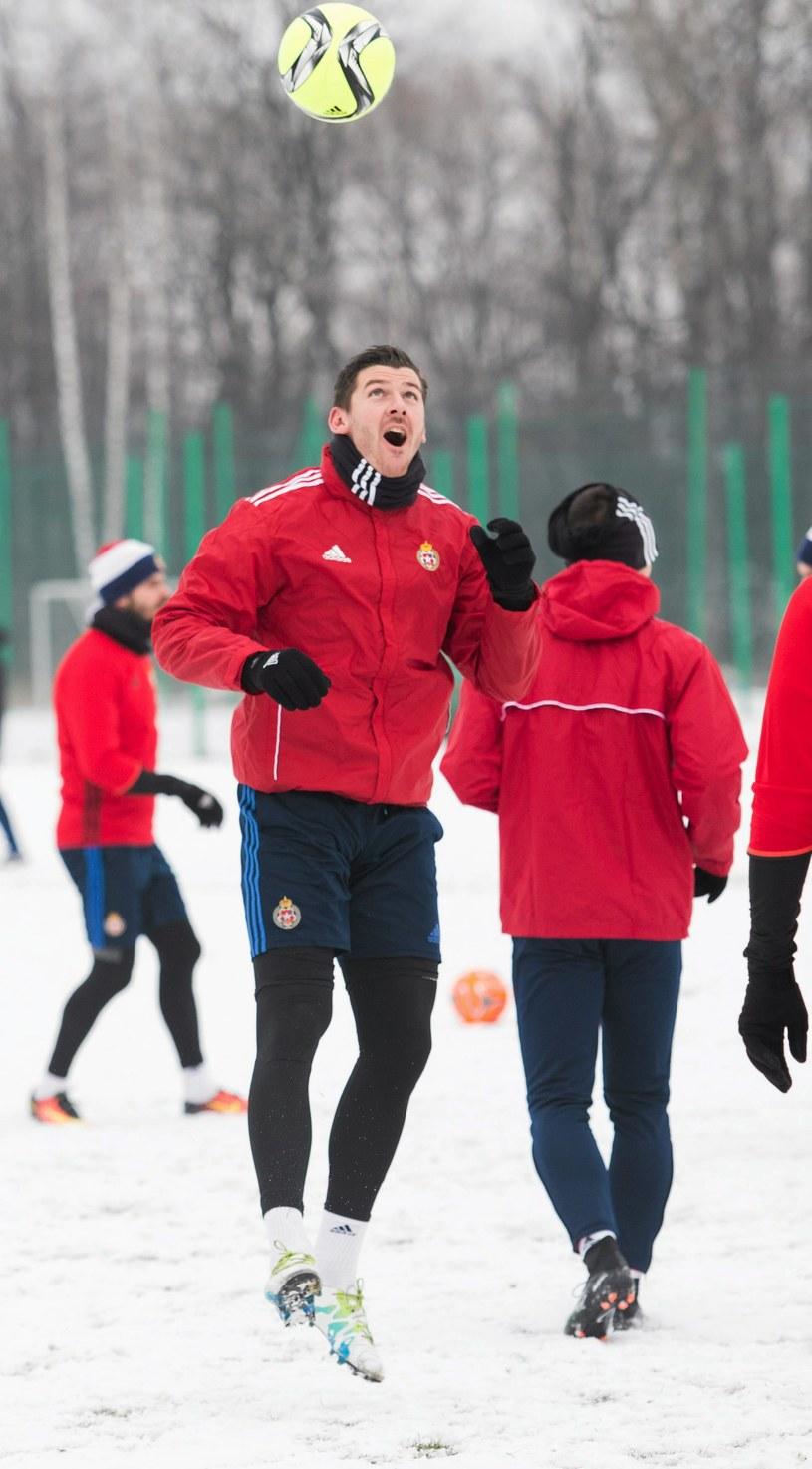 Łukasz Załuska woli trenować w ciepłej Turcji, niż zaśnieżonej Polsce. /Michał Łepecki /