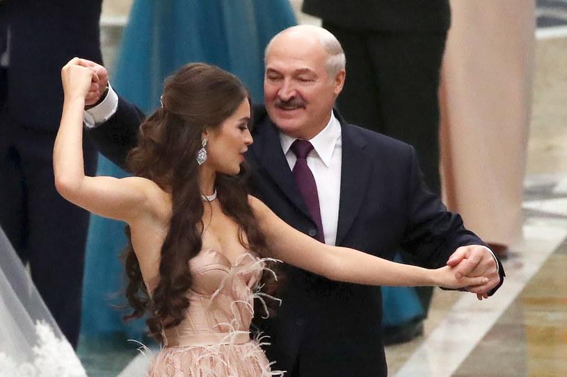 Łukaszenka i Wasiliewicz tańczyli razem podczas balu noworocznego / Maxim Guchek/BelTA/TASS  /Getty Images