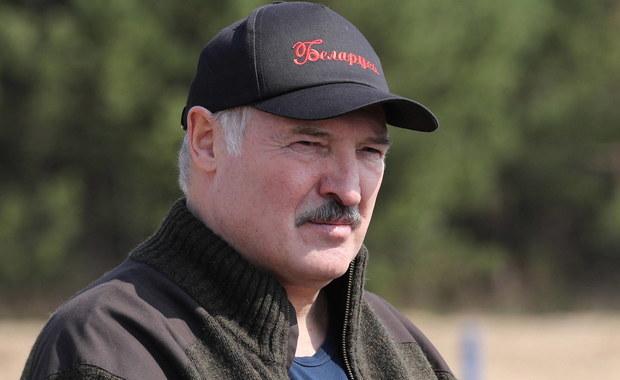 """Łukaszenka krytykuje swoich kontrkandydatów. """"Taki jeden pryszczaty"""""""
