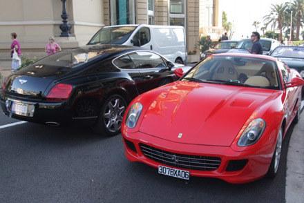 Luksusowe auta jeżdżą po Monte Carlo /INTERIA.PL