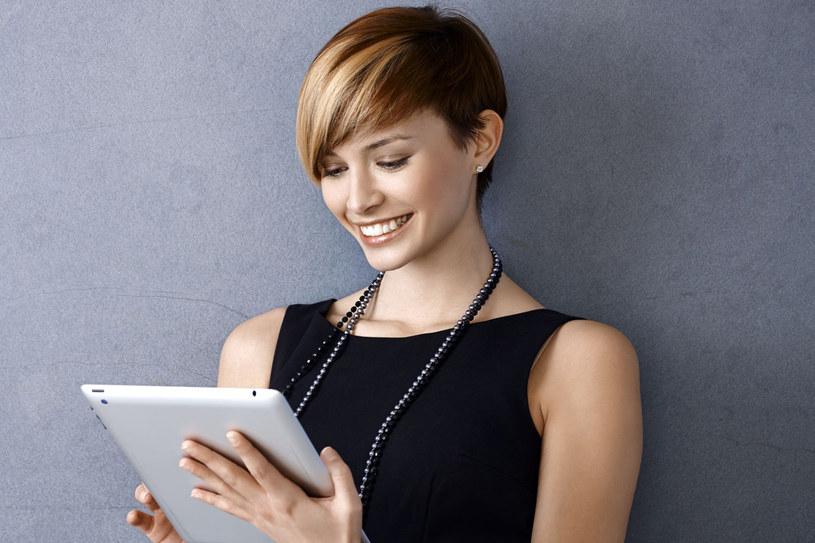 Luksusowe kobiety lubią otaczać się wyjątkowymi przedmiotami /123RF/PICSEL