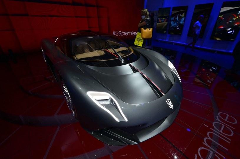 Luksusowe samochody sprzedają sie doskonale /AFP