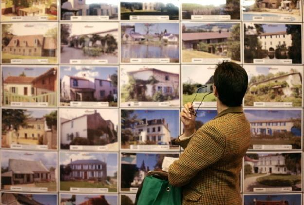 Luksusowy dom jednorodzinny to wydatek kilku milionów złotych /AFP