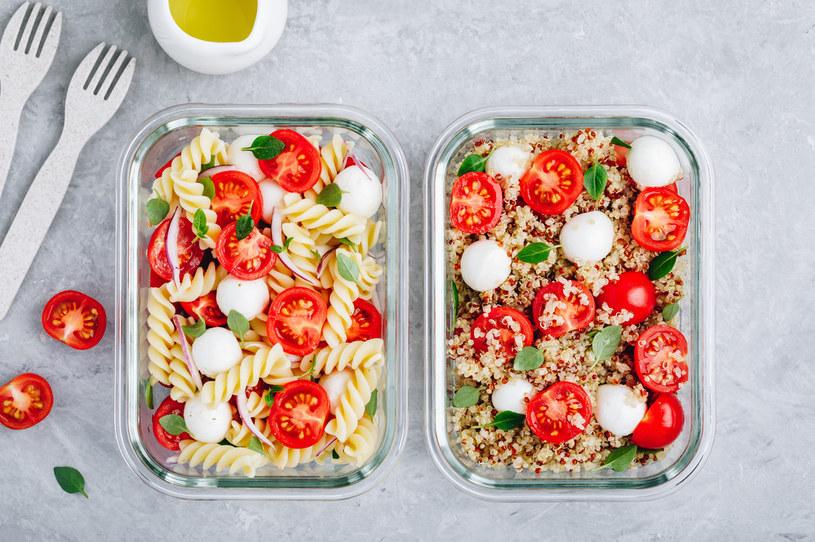 Lunchboxy to idealna propozycja dla osób spędzających dużo czasu poza domem /123RF/PICSEL