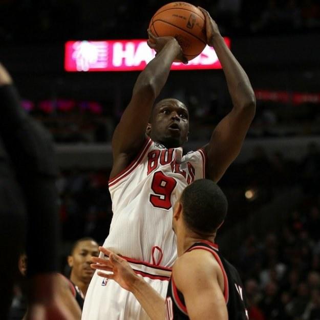 Luol Deng zdobył 40 punktów dla Chicago Bulls w zwycięskim meczu z Portland Trail Blazers 110:98 /AFP