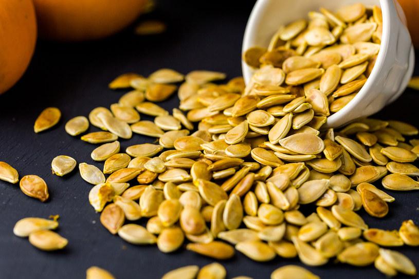 Łuski z pestek dyni mają zastosowanie w kuchni i ogrodzie /123RF/PICSEL