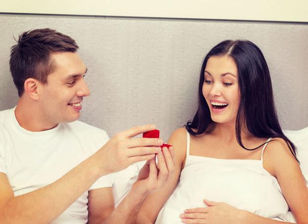 Luty nazywa się miesiącem zakochanych. Może w tym roku dojrzejesz do poważnych decyzji? /123RF/PICSEL