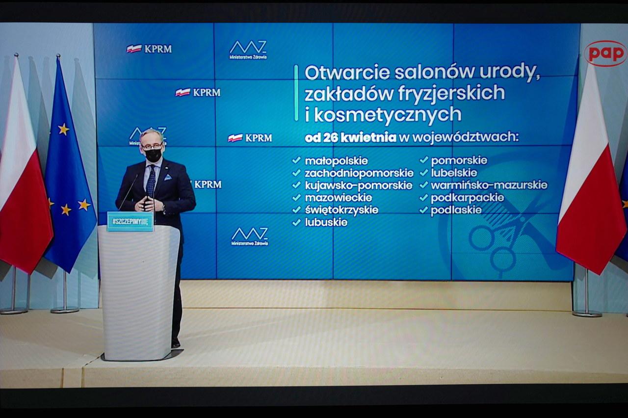Luzowanie obostrzeń. Minister Niedzielski ogłosił decyzje