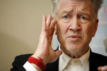 Lynch twierdzi, że medytacja transcendentalna może wpłynąć na zmniejszenie przestępczości /AFP