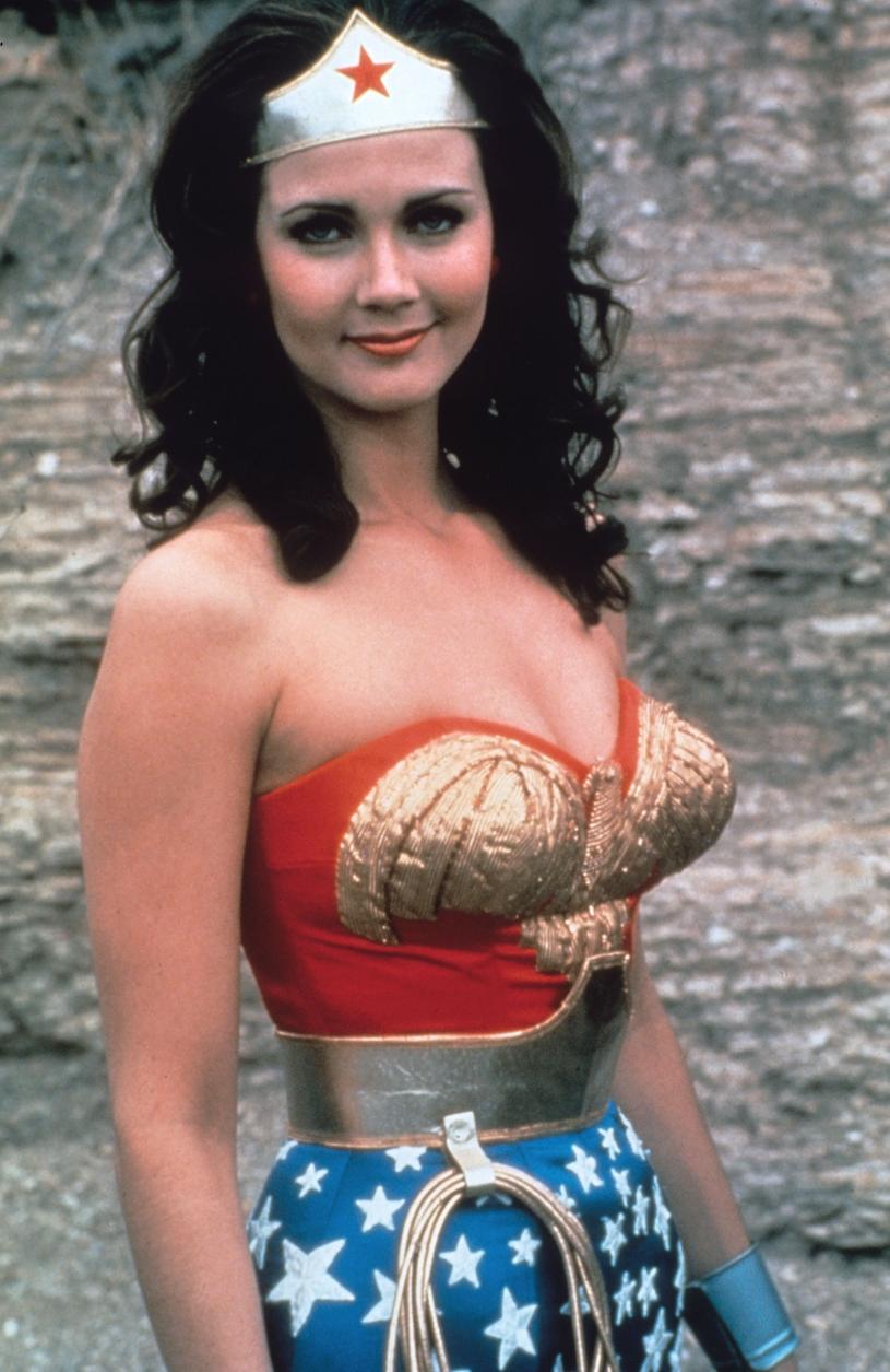 Lynda Carter w kostiumie Wonder Woman /Collection Christophel /East News