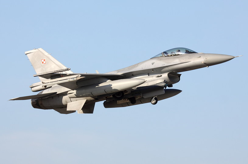 M-346 będą służyły do szkolenia pilotów, którzy w przyszłości będą latać na F-16 /Bartek Bera /INTERIA.PL