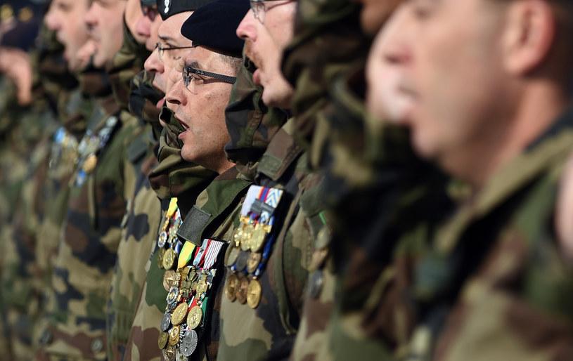 m.in. Marine Le Pen podkreśla wychowawczą role wojska, zdj. ilustracyjne /SHAH MARAI /AFP