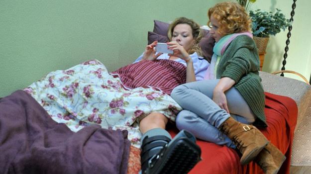 """""""M jak miłość"""": Anna i Ewa umawiają się, że nie będą się ze sobą kłócić. /Agencja W. Impact"""