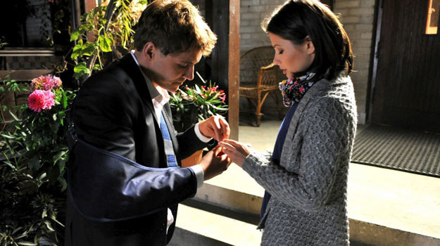"""""""M jak miłość"""": Marcin prosi Kasię o rękę. Ukochana zgadza się wyjść za niego za mąż /Agencja W. Impact"""