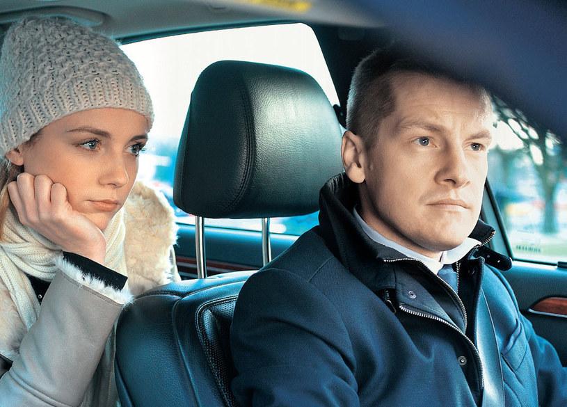 """""""M jak miłość"""": Olga najpierw nie pozwala Pawłowi, by opowiedział ojcu o swej przeszłości, a potem go nią szantażuje /Tele Tydzień"""