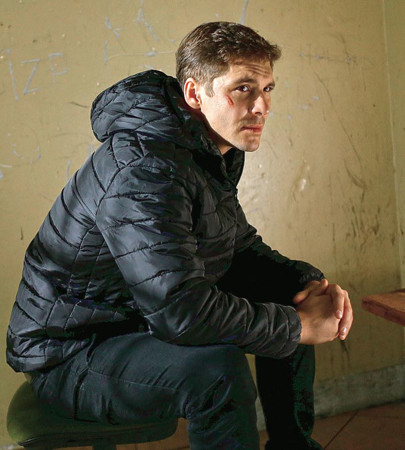 """""""M jak miłość"""": Siedząc w areszcie, Marcin zastanawia się, jak dogadać się z Izą /Tele Tydzień"""