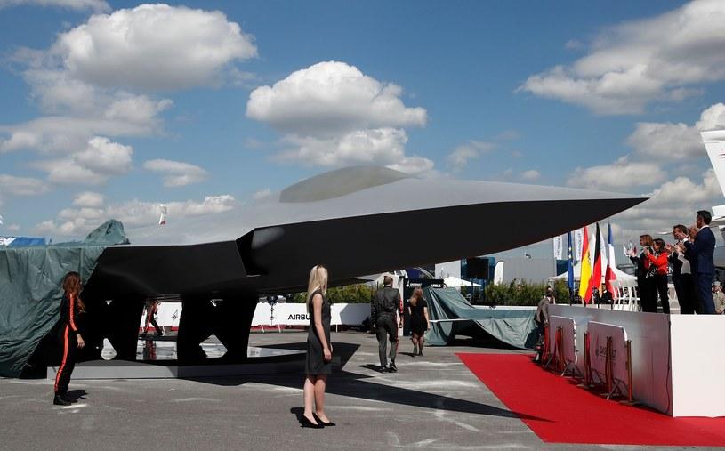 Ma być to myśliwiec piątej generacji, który będzie współdziałał w jednym systemie z załogowymi i bezzałogowymi samolotami i dronami /BENOIT TESSIER/AFP/ /East News