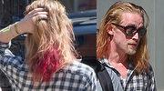 Macaulay Culkin ma różowe włosy!