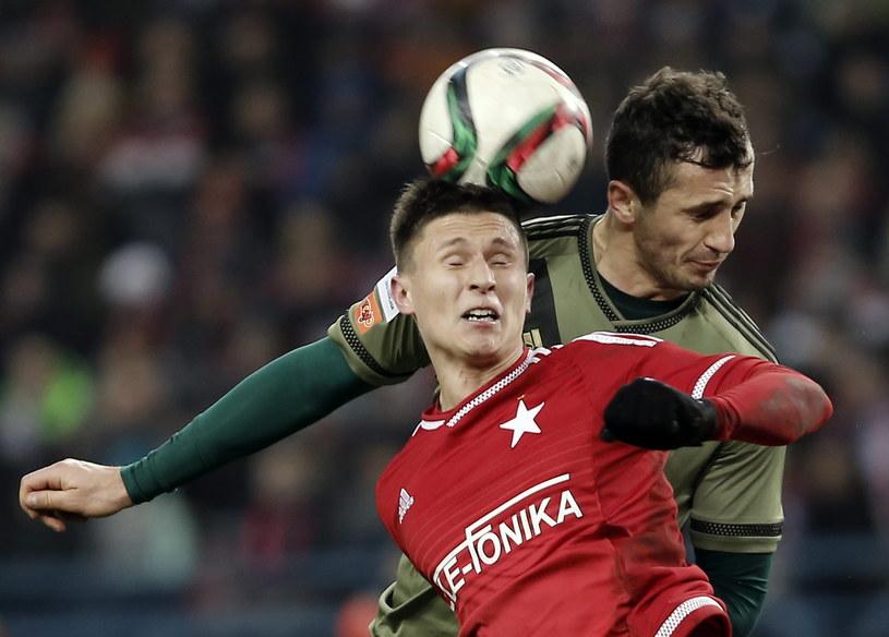 Maciej Jankowski (w czerwonej koszulce) prawdopodobnie pożegna się z Wisłą /Michał Łepecki /