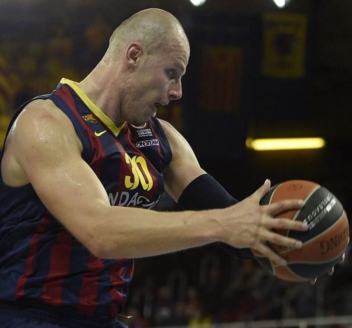 Maciej Lampe, koszykarz Barcelony /AFP