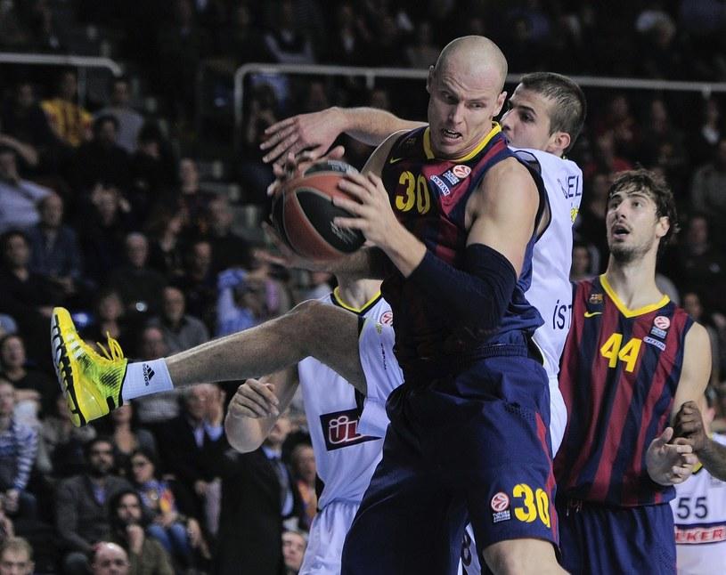 Maciej Lampe z Barceloną walczy o mistrzostwo Hiszpanii /AFP
