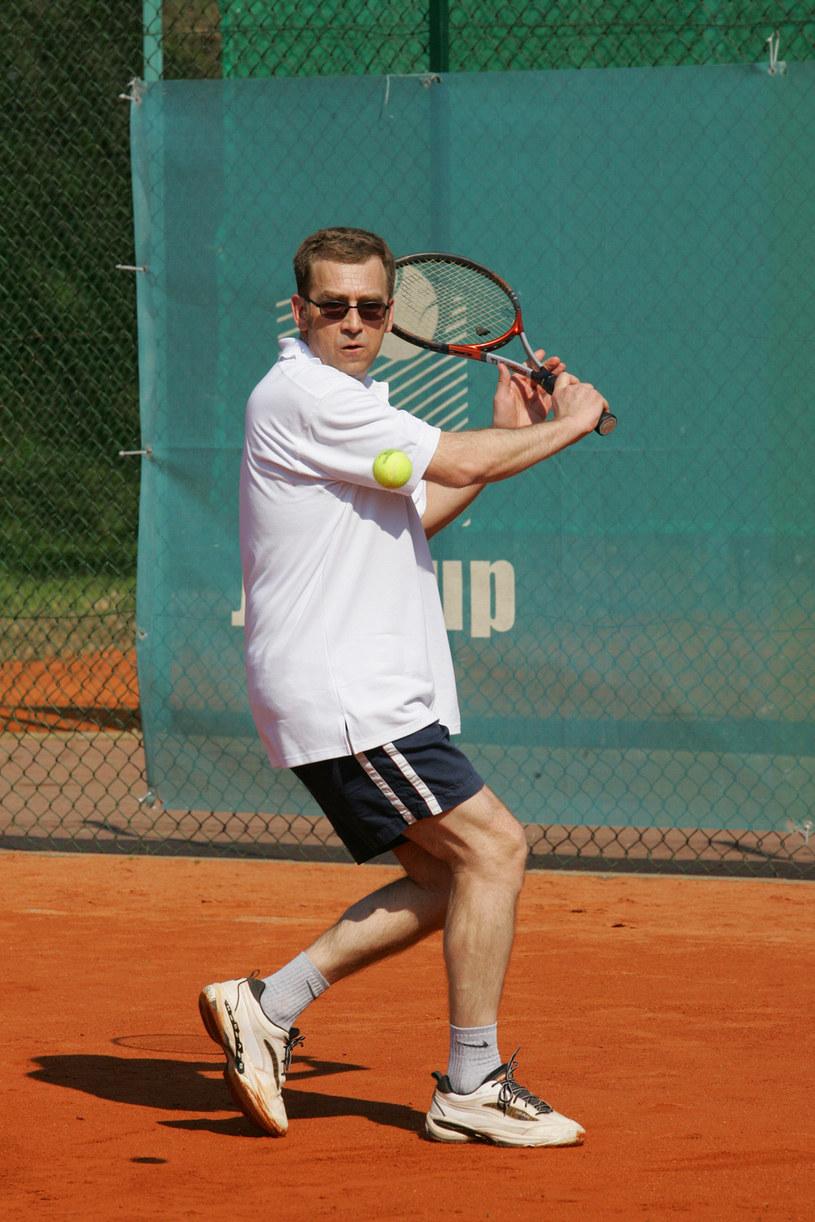 Maciej Orłoś na tenisowym korcie /AKPA