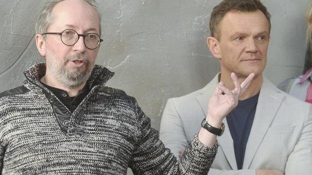 Maciej Ślesicki i Cezary Pazura na planie nowego serialu / fot. Mieszko Piętka /AKPA
