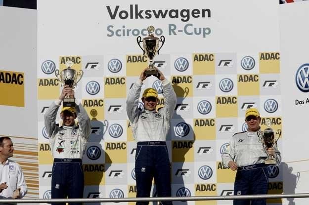 Maciej Steinhof na najwyższym stopniu podium. Drugi był Kris Heidorn a trzeci Martin Brundle /