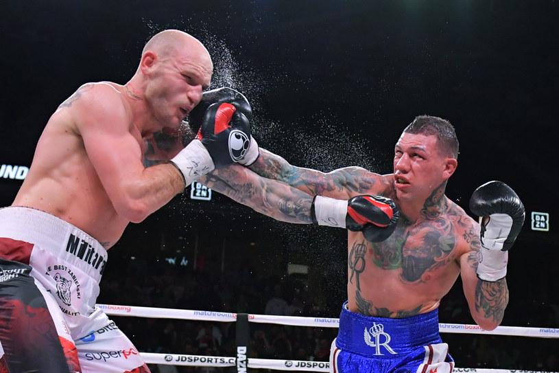 Maciej Sulęcki (z lewej) tu w walce z Gabrielem Rosado /Getty Images