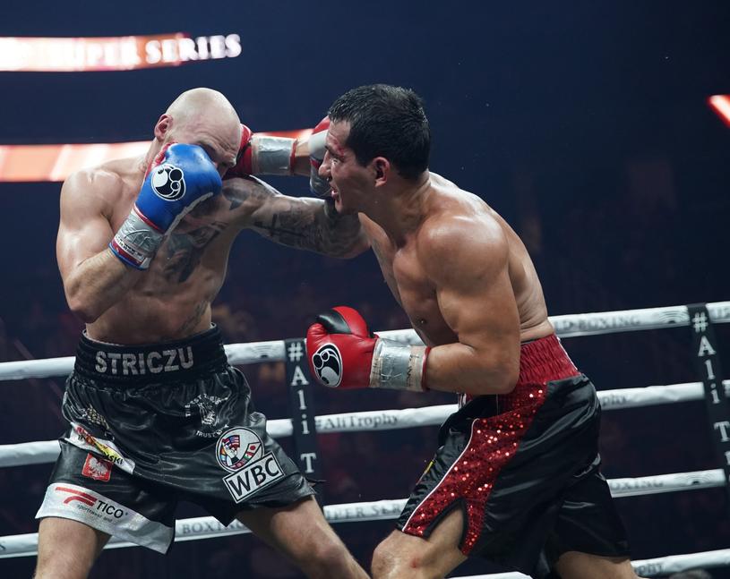 Maciej Sulęcki (z lewej) w walce z Jackiem Culcayem /Wojciech Kubik /East News