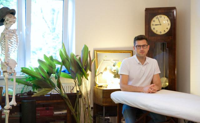 Maciej Wójtowicz reprezentuje holistyczne podejście w pracy z pacjentami bólowymi /archiwum prywatne