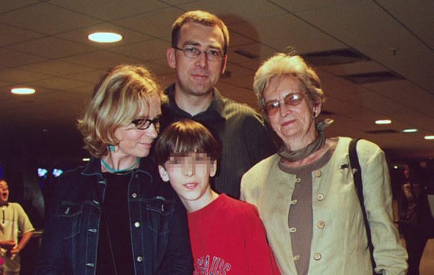 Maciej z Ewa, matką oraz synem Antonim (2002 r.) /- /AKPA
