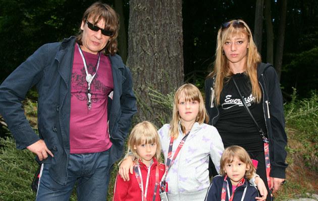 Maciek Maleńczuk z rodziną, fot. Krzysztof Kuczyk  /Agencja FORUM