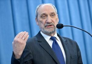 Macierewicz: Nie przedstawiono najważniejszego dowodu