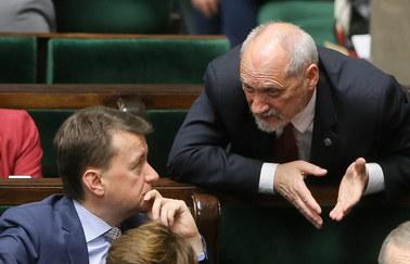 Macierewicz: Wobec wielu z państwa należy się nie krytyka, ale konsekwencje karne