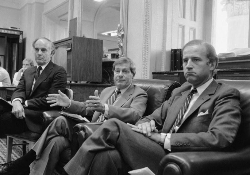 Mack Mattingly (w środku) jako pierwszy amerykański polityk przypuścił atak na Playboya pisanego Braillem. /domena publiczna