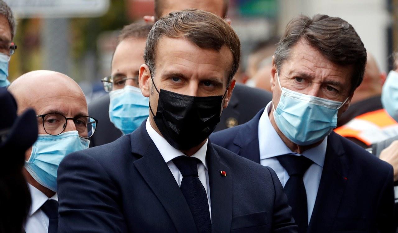 Macron: Jesteśmy atakowani, bo nie chcemy ugiąć się pod terrorem