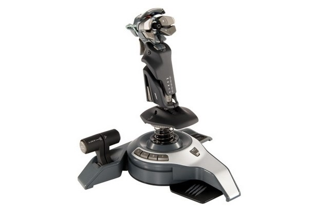 MadCatz Saitek Cyborg FLY5 –joystick rodem z kosmosu /INTERIA.PL/informacje prasowe