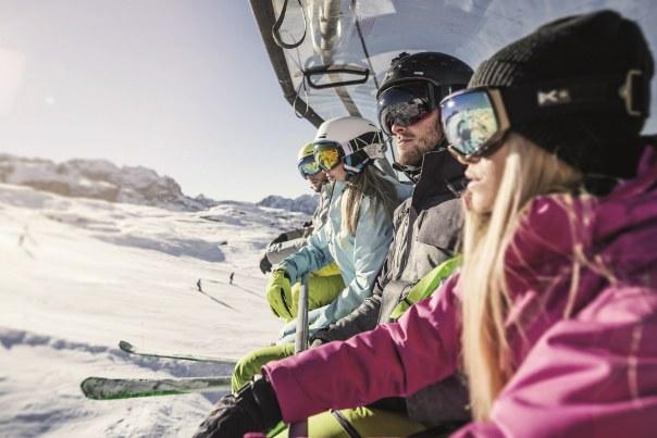 Madonna di Campiglio to jeden z najlepszych ośrodków narciarskich na terenie Europy /123RF/PICSEL