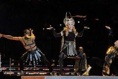Madonna na Super Bowl zaśpiewała za darmo