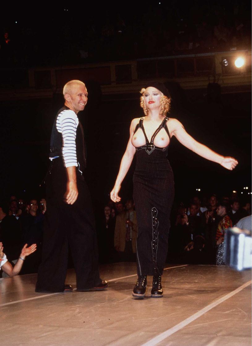 Madonna podczas pokazu Jean Paula Gaultier w 1992 roku, fot. Brenda Chase / Stringer /Getty Images
